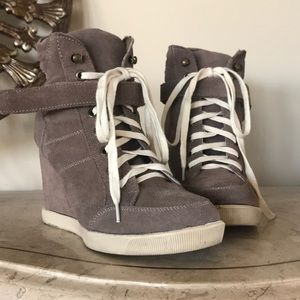 Steve Madden Wedged boots!